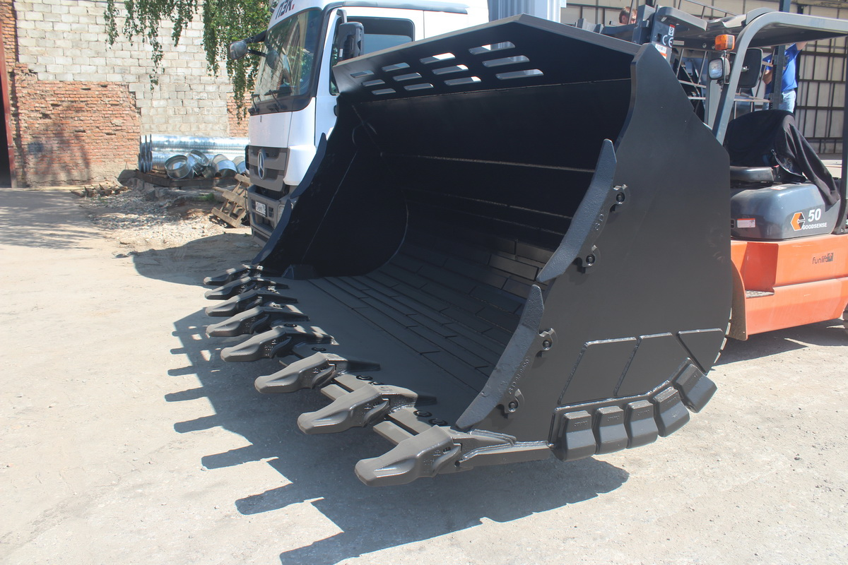 2 XHD rock buckets for HYUNDAI HL 780 - Фотография 1