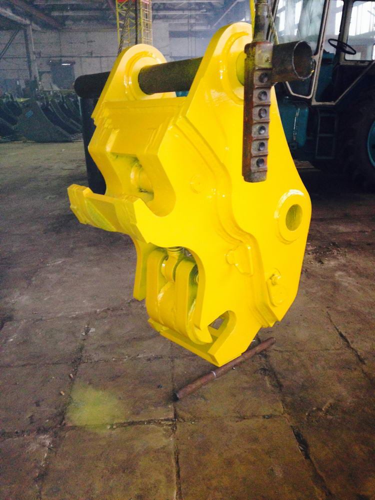 Hydraulic Quick Hitch Couplers - Photo 1