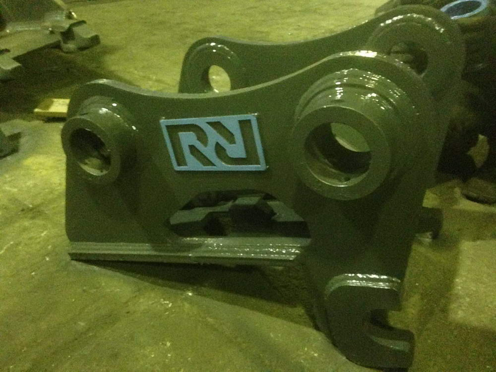 Hydraulic Quick Hitch Couplers - Photo 3